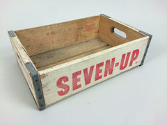 Seven Up crate - White - eyespy