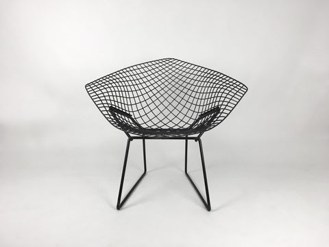 Bertoia diamond chair in black