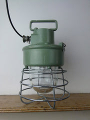 VINTAGE INDUSTRIAL MARINE CAGE INSPECTION LAMP - eyespy