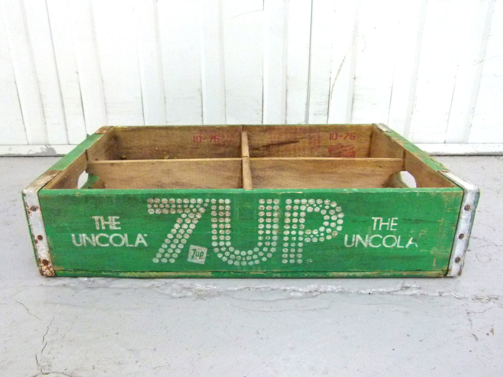 Vintage 7Up 'The Uncola' crate - 4 section - eyespy