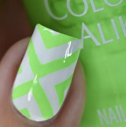 Colour Alike stamping polish - GREEN LIGHT