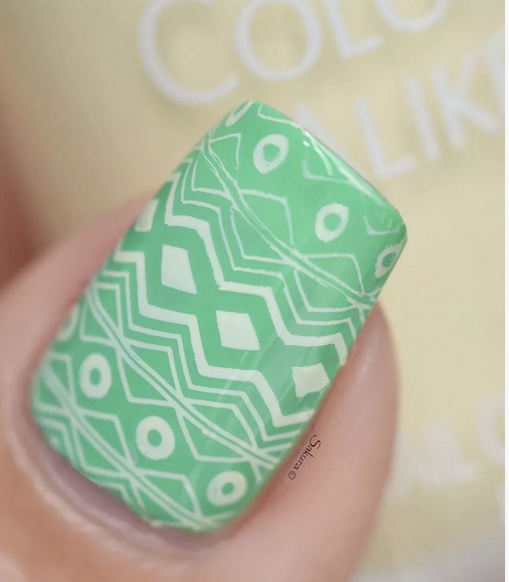 Colour Alike stamping polish - A LEMONADE