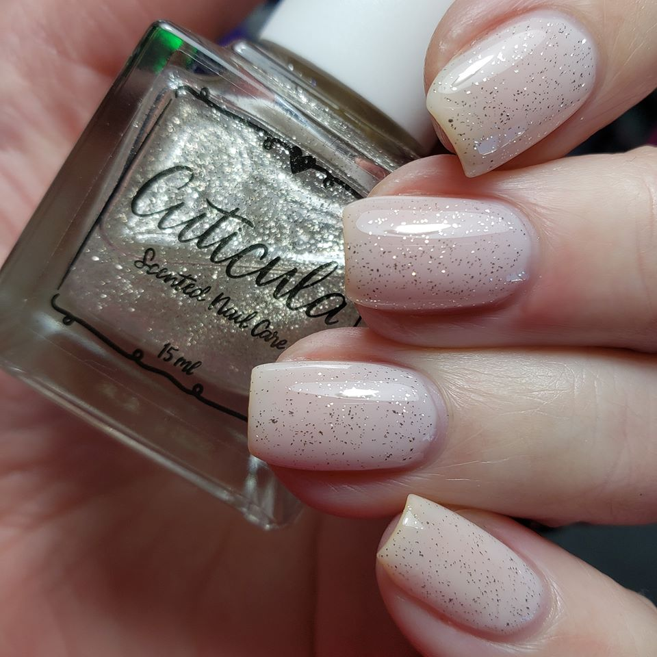 Silver Lining platinum flakes top coat