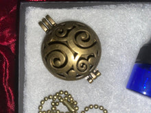 Load image into Gallery viewer, Oil Diffuser Necklace Gift Box