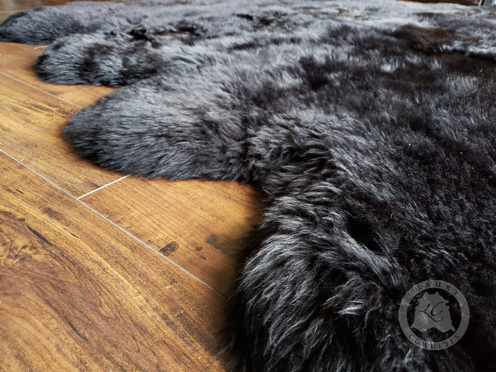 New Zealand Sheepskin Black, Approx Size 6 x 6'