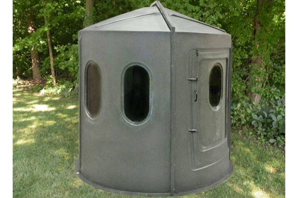 Maverick 6-Shooter Deer Blind in Green with Tinted Windows