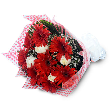 A Pretty Red Bunch - florista-in