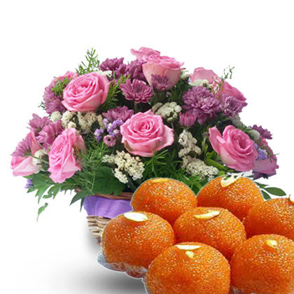 Delicious Ladoos N Flowers - florista-in