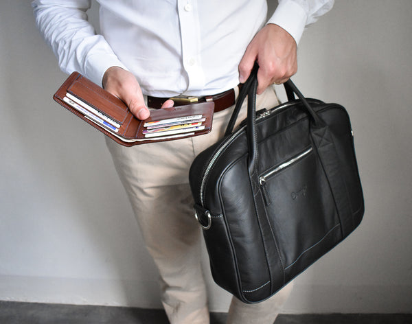 Even when the messenger bag is full of your everyday essentials, it's not bulky at all.