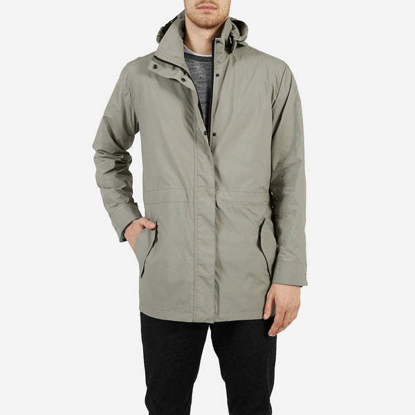 Lightweight anorak with a modern cut