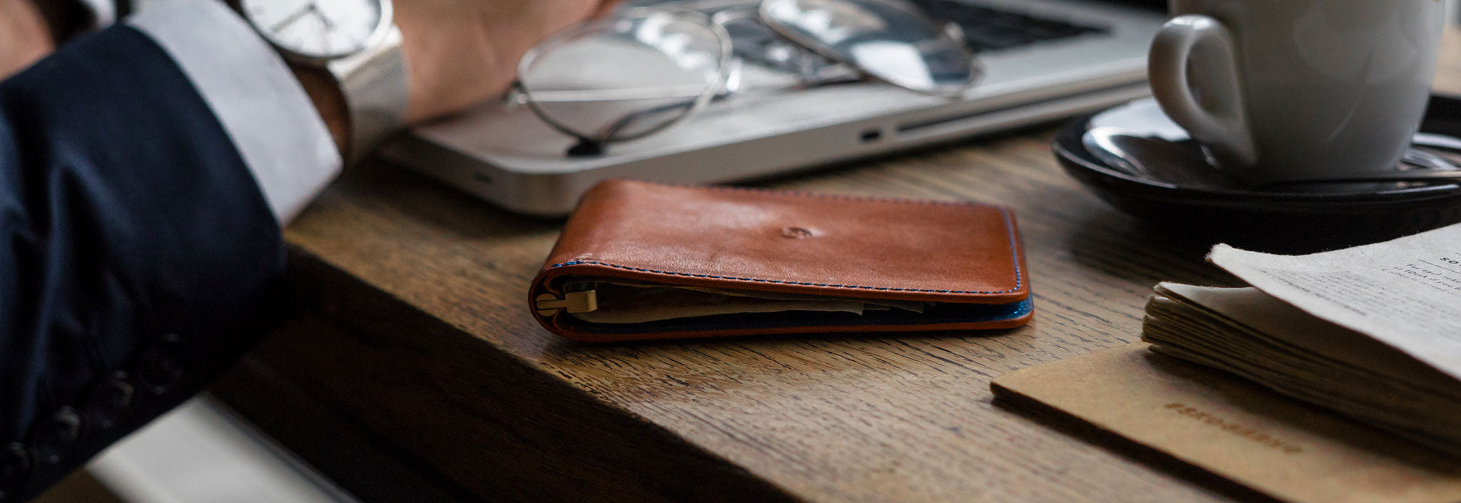 Leather money clip wallet - cards and banknotes
