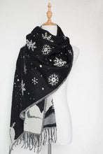 Load image into Gallery viewer, Christmas warm snowflake tassel imitation cashmere shawl