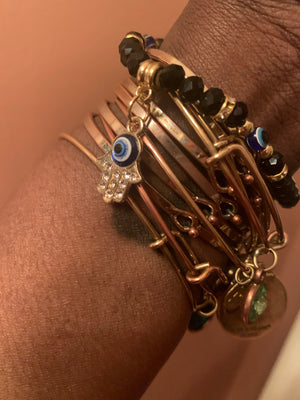 Small evil eye bracelet with hamsa