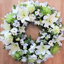 Load image into Gallery viewer, White Wreath