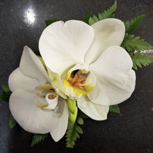 Load image into Gallery viewer, Wrist Corsage- Phalenopsis Orchid bloom