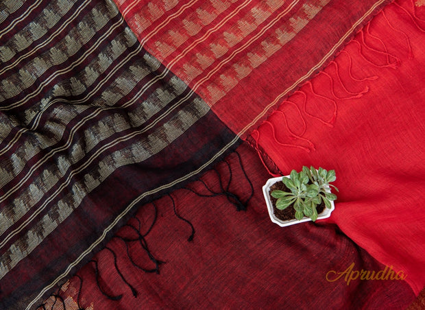 Ravishing Red Graphic Linen Saree