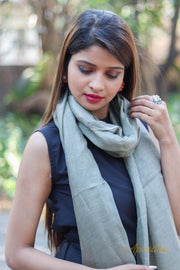 Light grey Linen stole - Aprudha