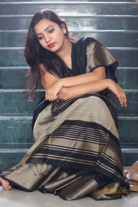 Kamya In Black Silk Cotton Saree