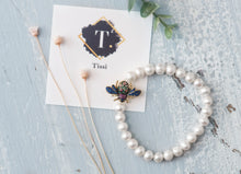 Load image into Gallery viewer, Bee Pearl Beaded Bracelet - tissinyc