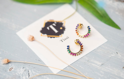 Rainbow Open Circle Stud Earrings - tissinyc