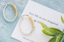 Load image into Gallery viewer, Charlie two toned spiral hoops - tissinyc