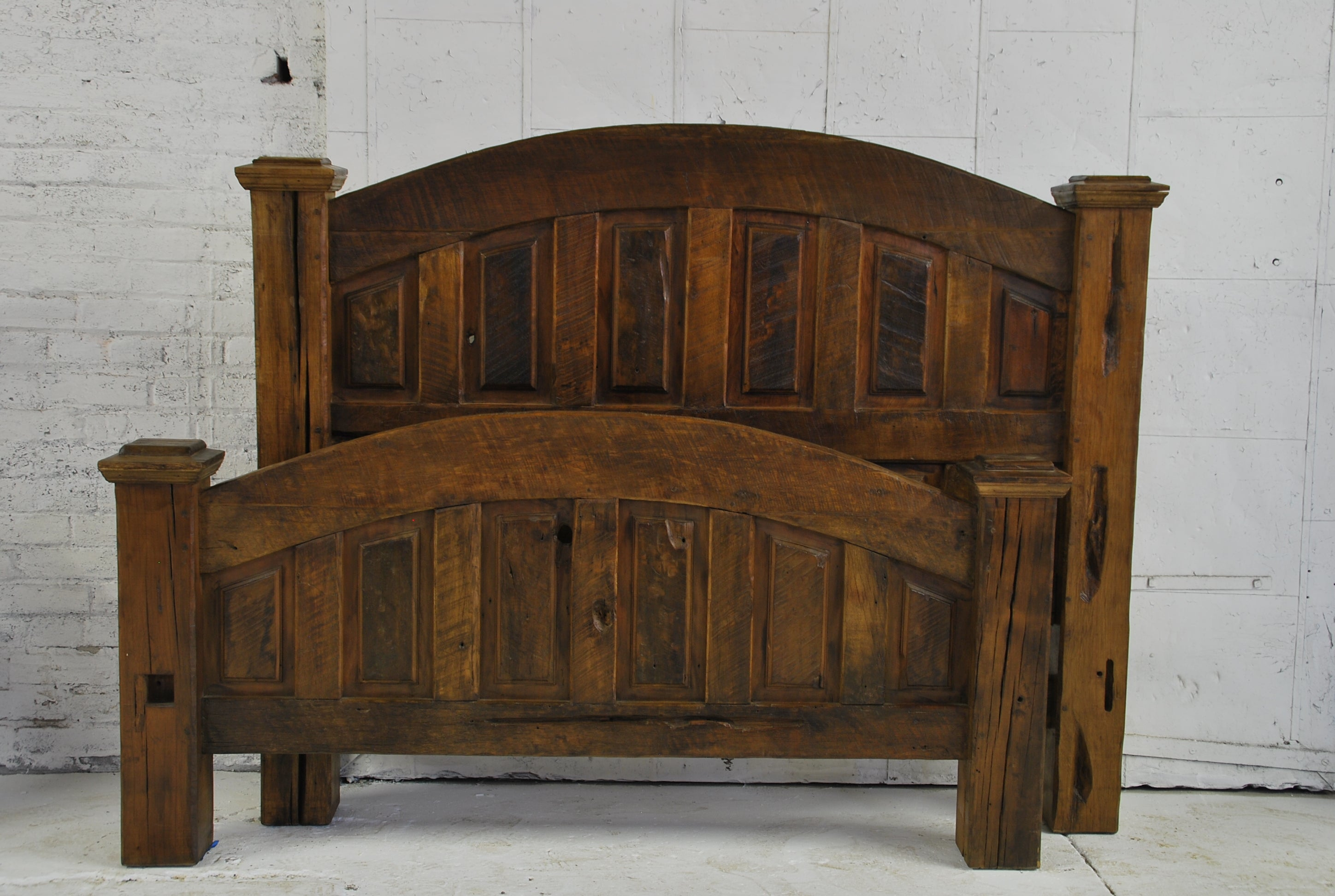 Barn Wood Bedframe -Rectangle Carved Panel  (QUEEN) BD-001