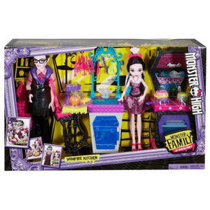 Monster High Monster Family Vampire Kitchen Playset and 2-Pack Dolls