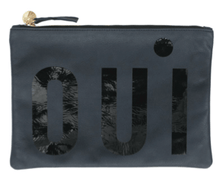 Load image into Gallery viewer, Clare V. OUI Flat Clutch 三色