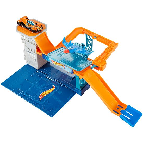 Hot Wheels Sky-Base Blast Track Set