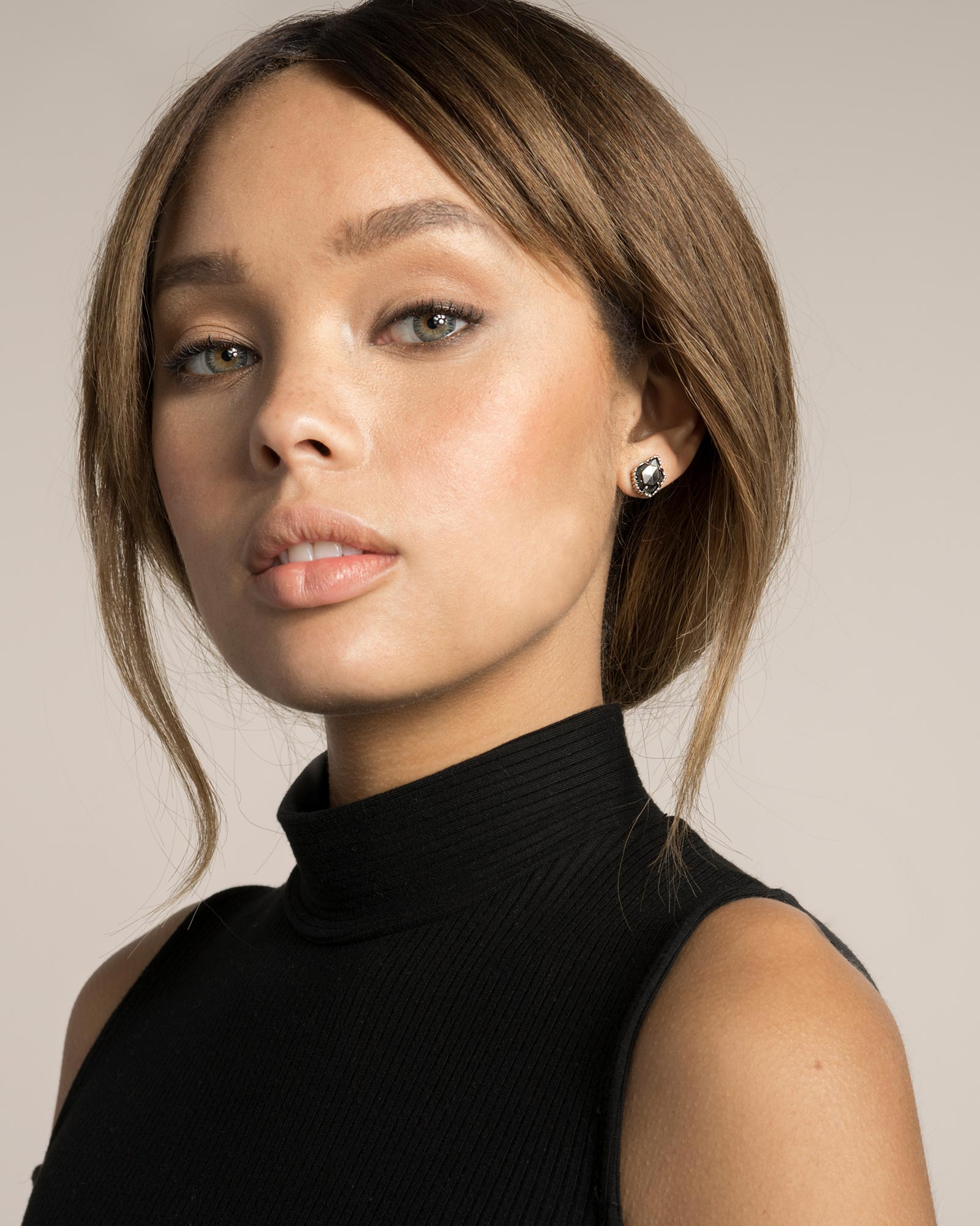 Tessa Stud Earrings in Black