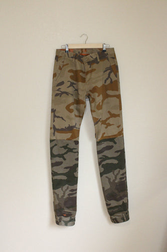 Extendo Camo Pants size 32 by Haus of Vain