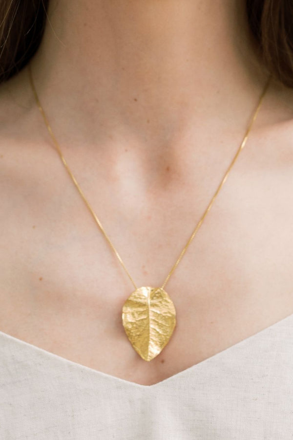 Bougainvillea Necklace