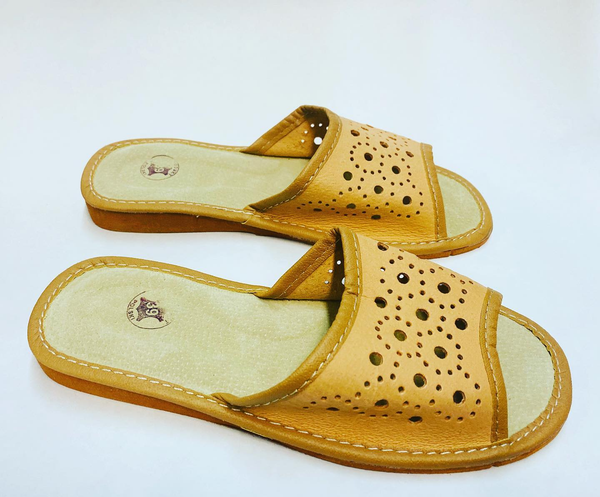 GENUINE-LEATHER-SLIPPERS-FLATS-MADE-IN-POLAND-EUROPEAN-POLISH-VIBES -GIFT-GALLERY -KAPCIE -DAMSKIE -SKORZANE-PANTOFLE