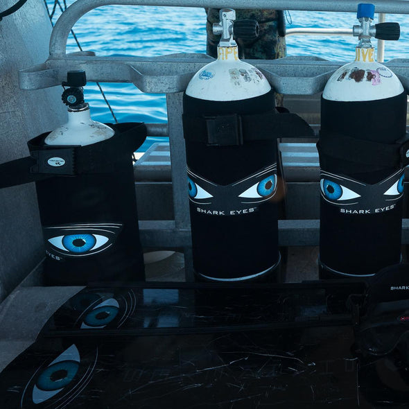 shark-deterrent-shark-eyes-dive-tanks-on-boat