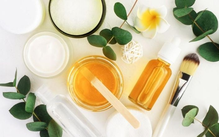5 Amazing Benefits of Honey for Face & Skin