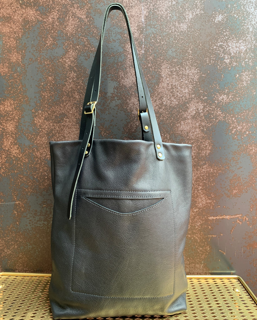 AmFm Stacy Leather Tote Bag in Black