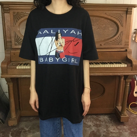 Aaliyah BABYGIRL Tommy Hilfiger T Shirt | Size L