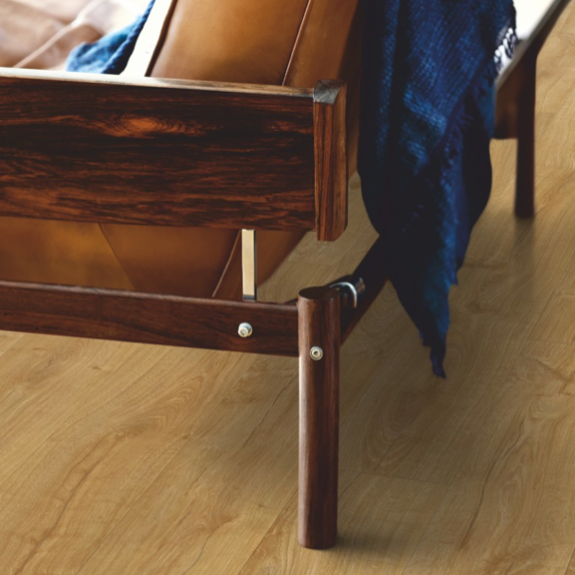 Pergo Manor Oak Laminate (Modern Plank 4V)
