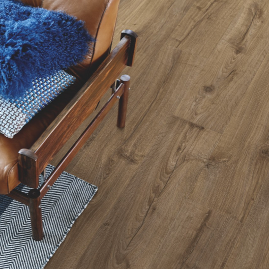 Pergo Farmhouse Oak Laminate (Modern Plank 4V)