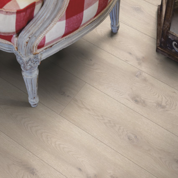 Pergo Modern Grey Oak Laminate (Long Plank 4V)