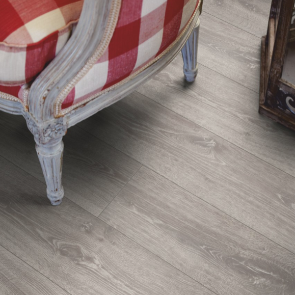 Pergo Autumn Oak Laminate (Long Plank 4V)