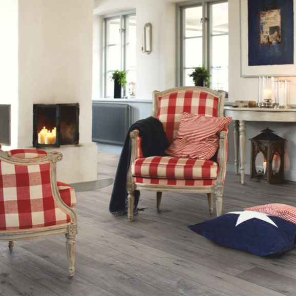 Pergo Reclaimed Grey Oak Laminate (Long Plank 4V)