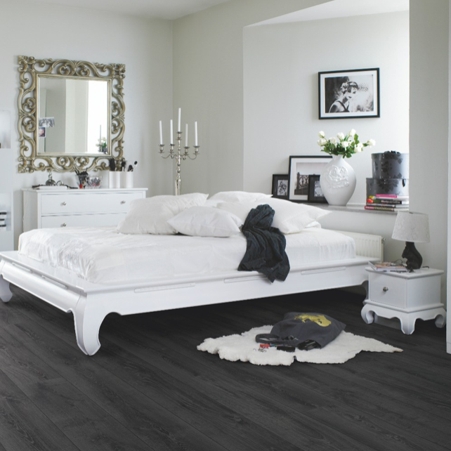 Pergo Midnight Oak Laminate (Long Plank 4V)