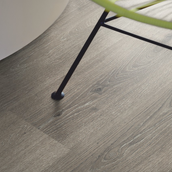 Pergo Mountain Grey Oak Laminate (Classic Plank 4V)