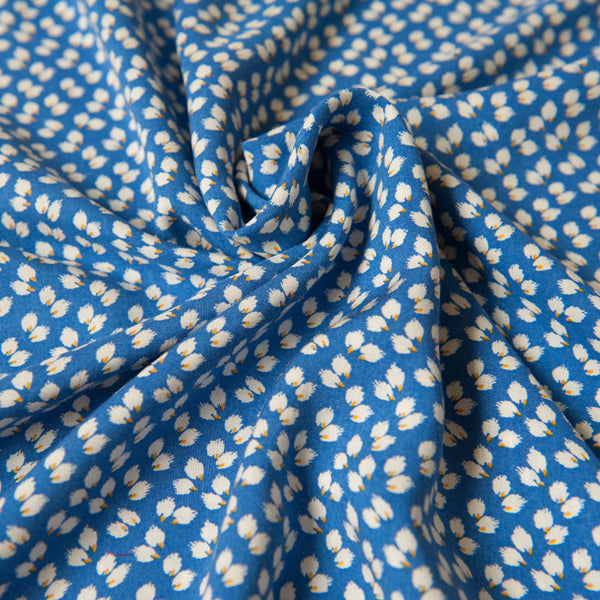 Blue and White Viscose Dressmaking Fabric - 0.9m Piece