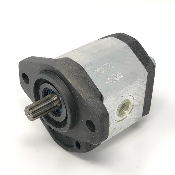 "GHP1A-D-5-S1 : Marzocchi Gear Pump, CW, 3.5cc (0.2135in3), 1.66 GPM, 3915psi, 5000 RPM, #8 SAE (1/2"") In, #6 SAE (3/8"") Out, Splined Shaft 9T 20/40DP, SAE AA 2-Bolt Mount"
