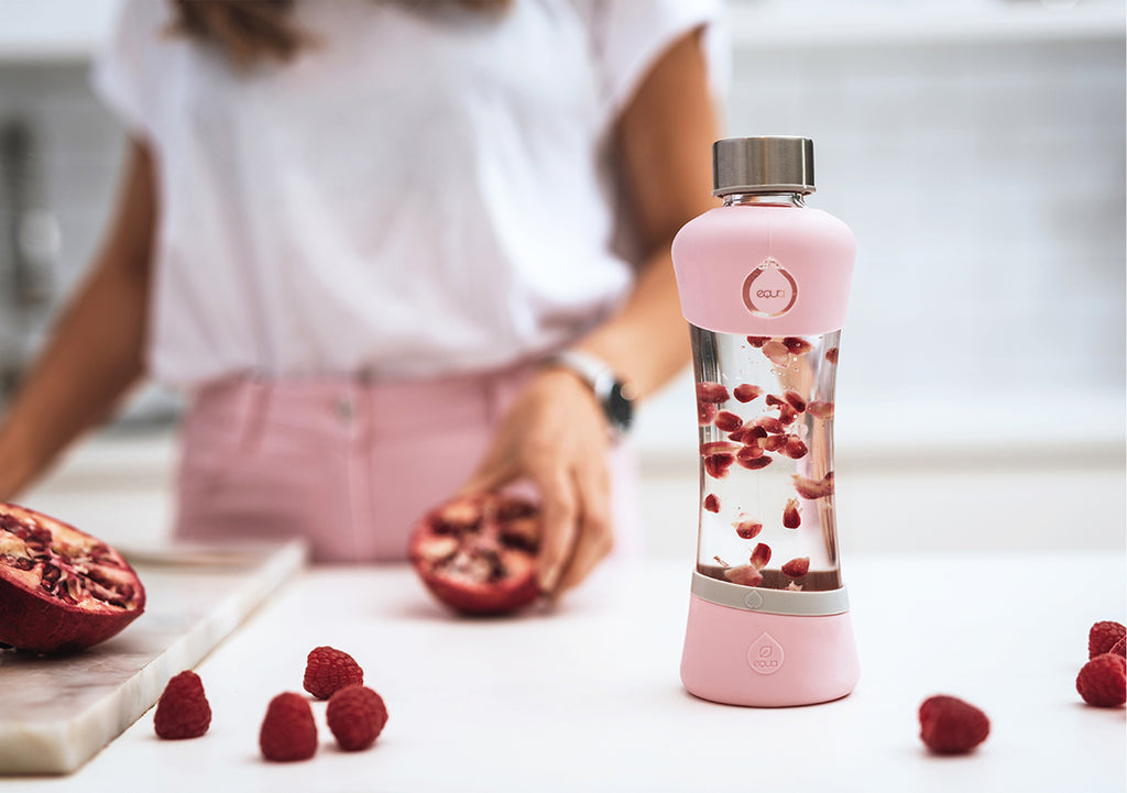 Infused water recipe: pomegranate with lemon