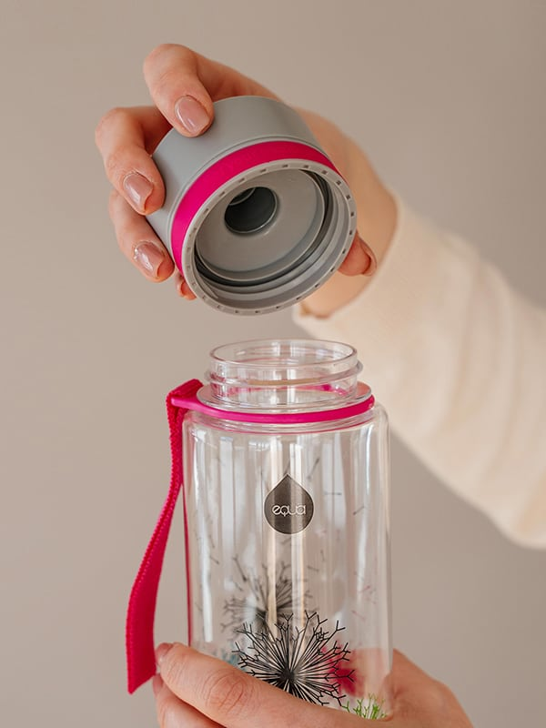 EQUA BPA FREE water bottle, Dandelion, close up of the lid, pink and grey color
