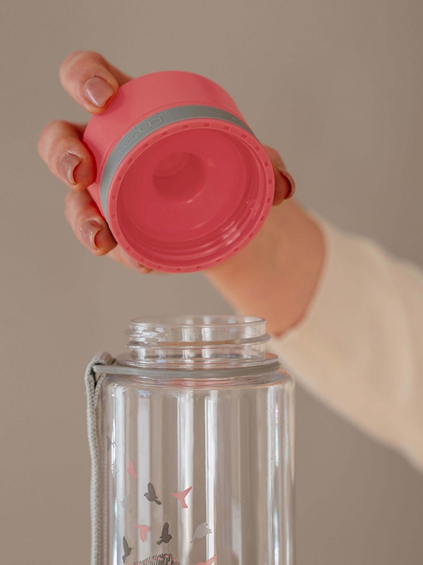 EQUA BPA FREE water bottle, Esprit Birds, close up of the lid, pink color