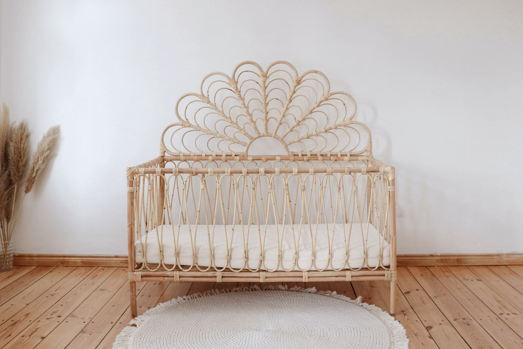 PAWI COT WITH HEADBOARD